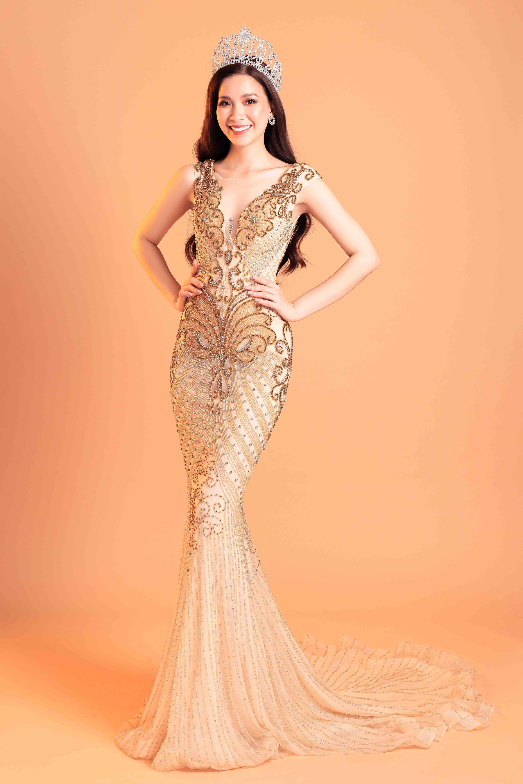 Gold Size 2 Mermaid Dress on Queenly