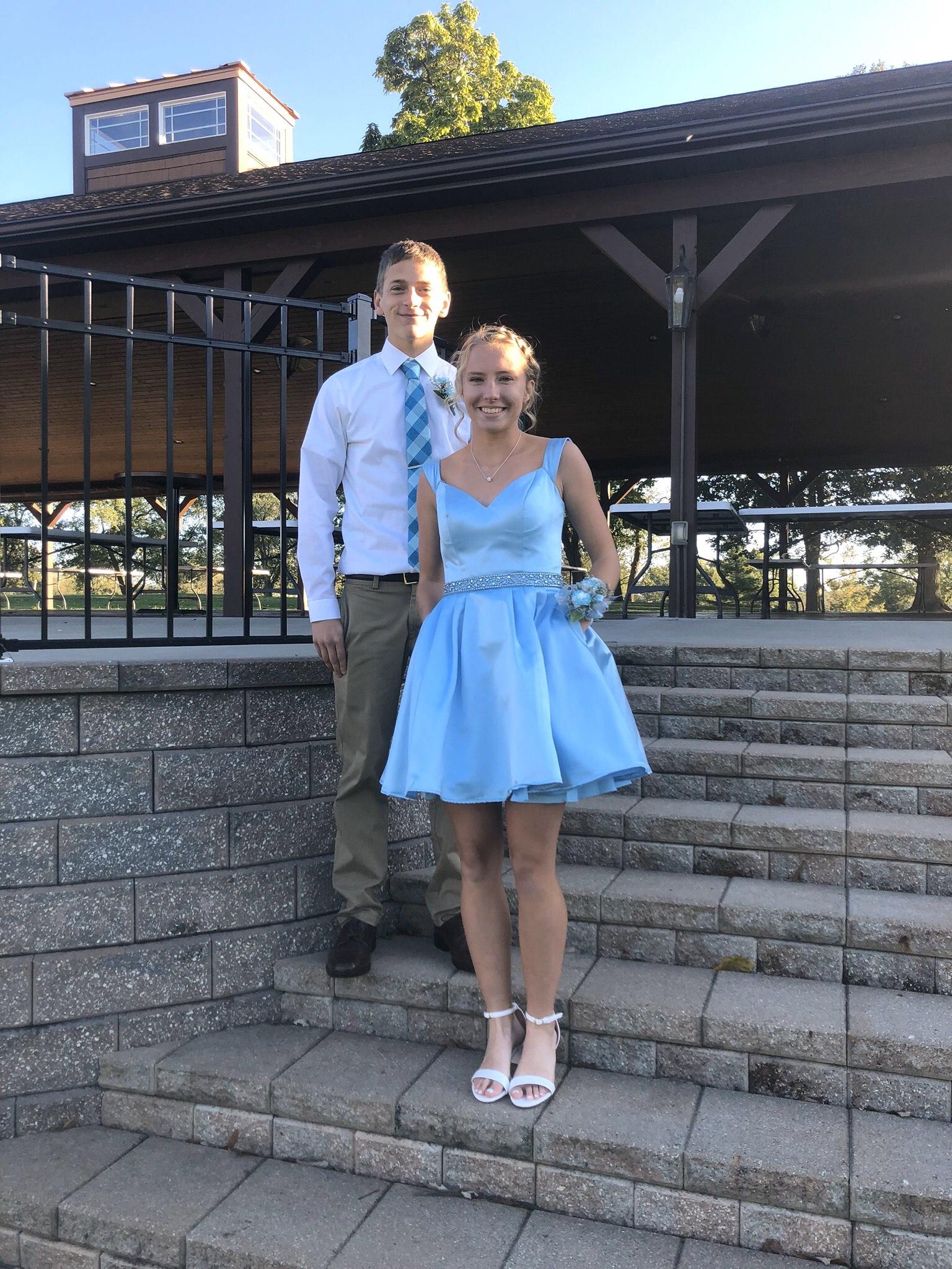 Sherri Hill Blue Size 2 Belt Cocktail Dress on Queenly
