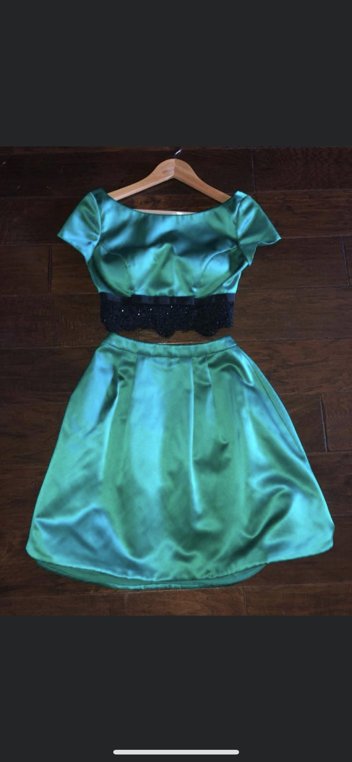 Sherri Hill Green Size 2 Cocktail Dress on Queenly