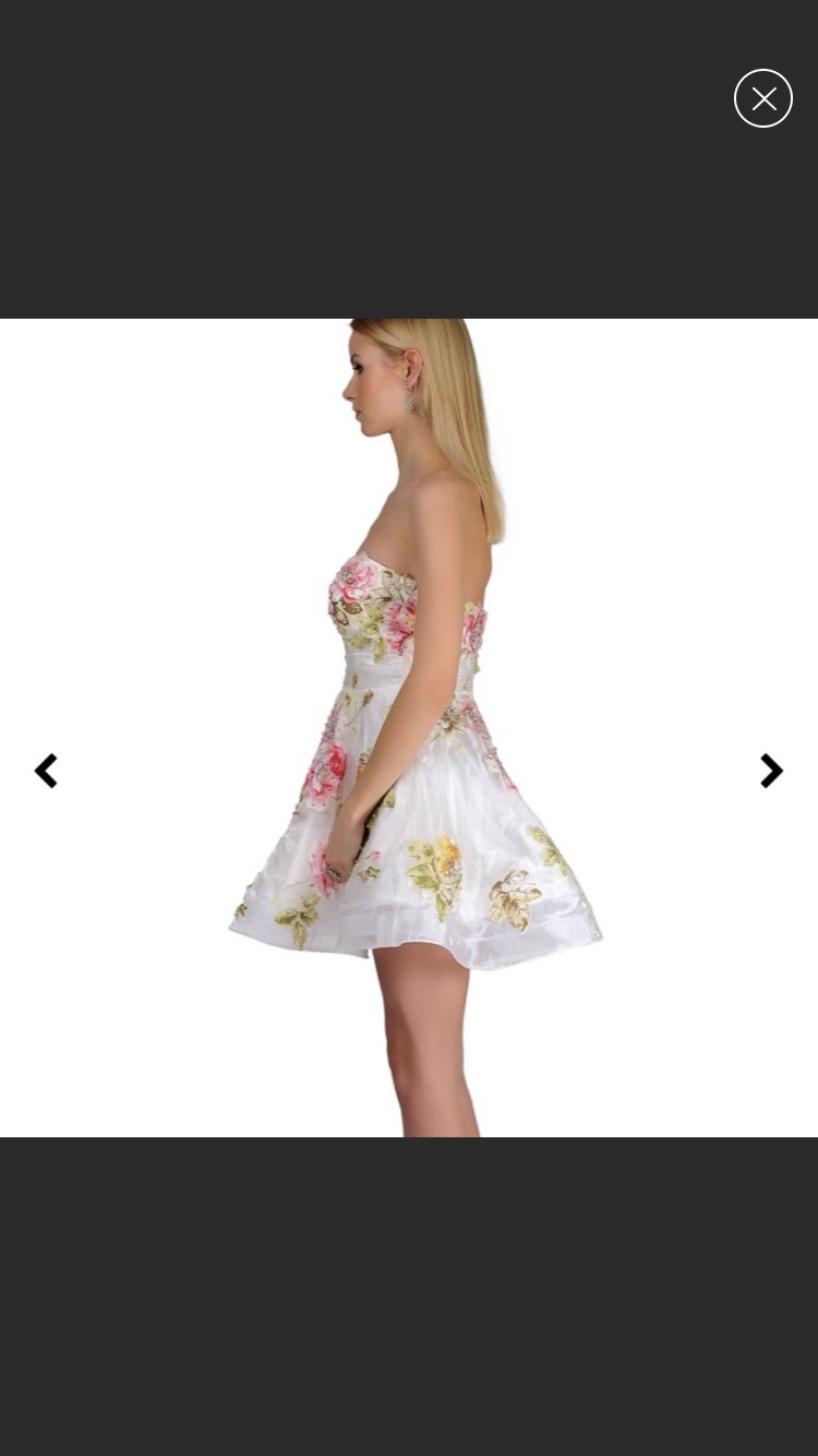 Jovani White Size 6 Homecoming Floral Cocktail Dress on Queenly