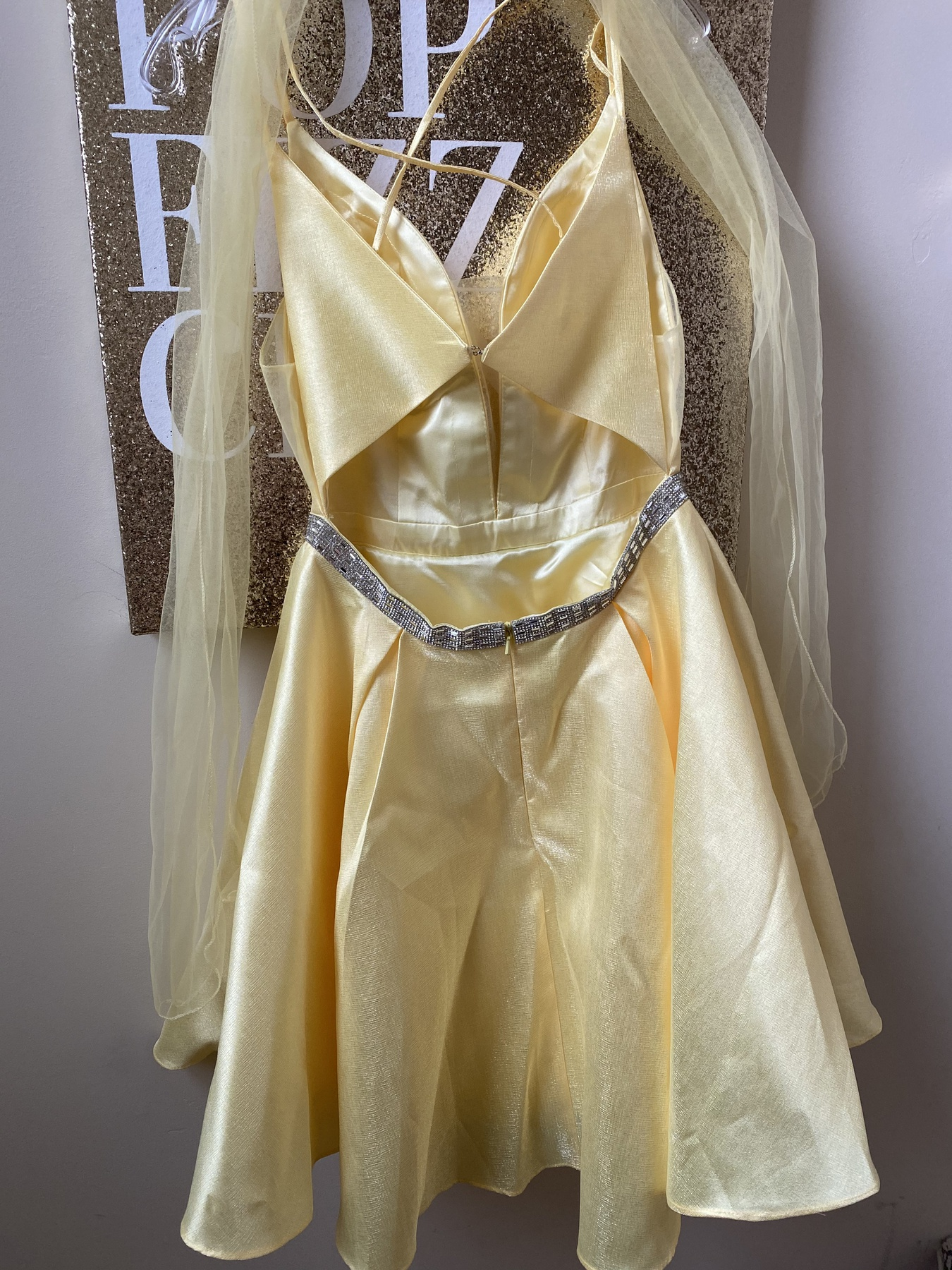 Yellow Size 8 Cocktail Dress on Queenly