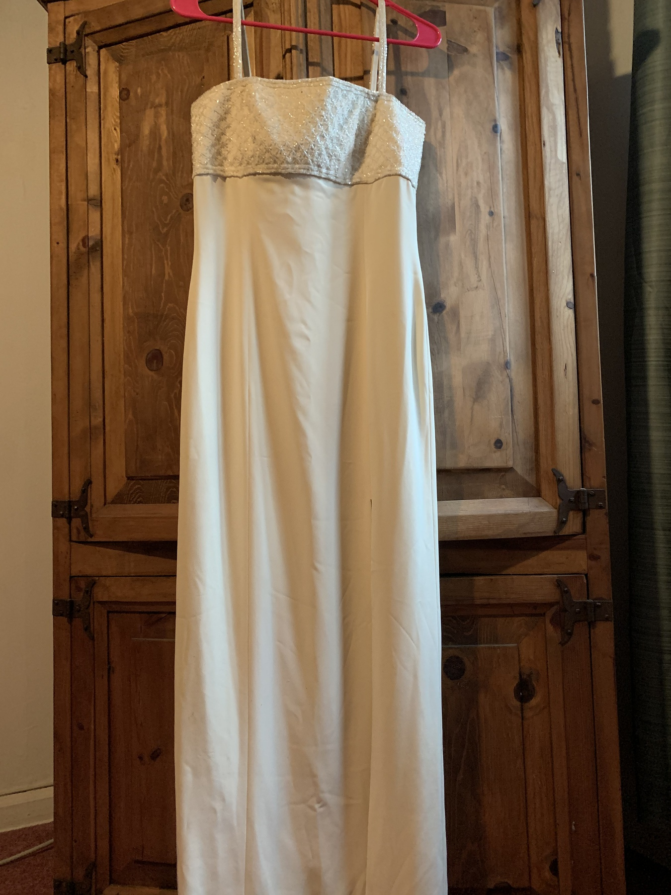 Nude Size 6 Straight Dress on Queenly