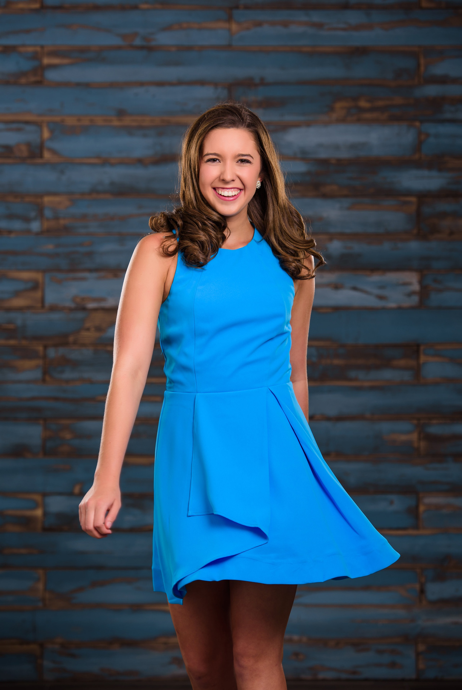 Adelyn Rae Blue Size 4 Halter Cocktail Dress on Queenly