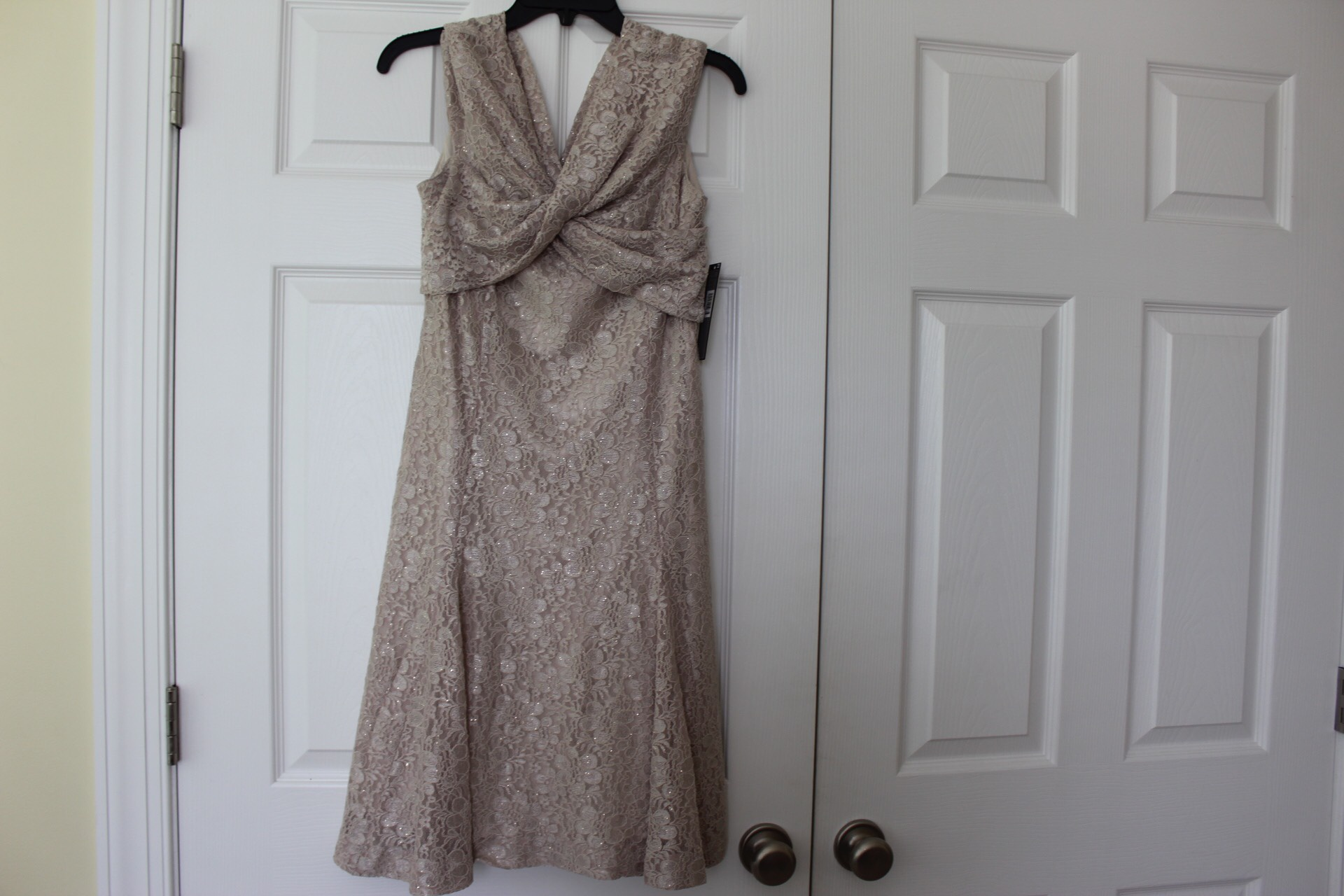 Tahari Gold Size 10 Mini Sorority Formal Lace Cocktail Dress on Queenly