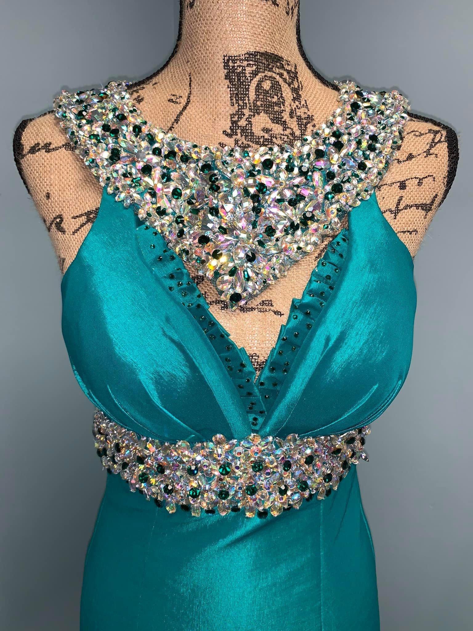 Ritzee Green Size 0 Backless Custom Mermaid Dress on Queenly