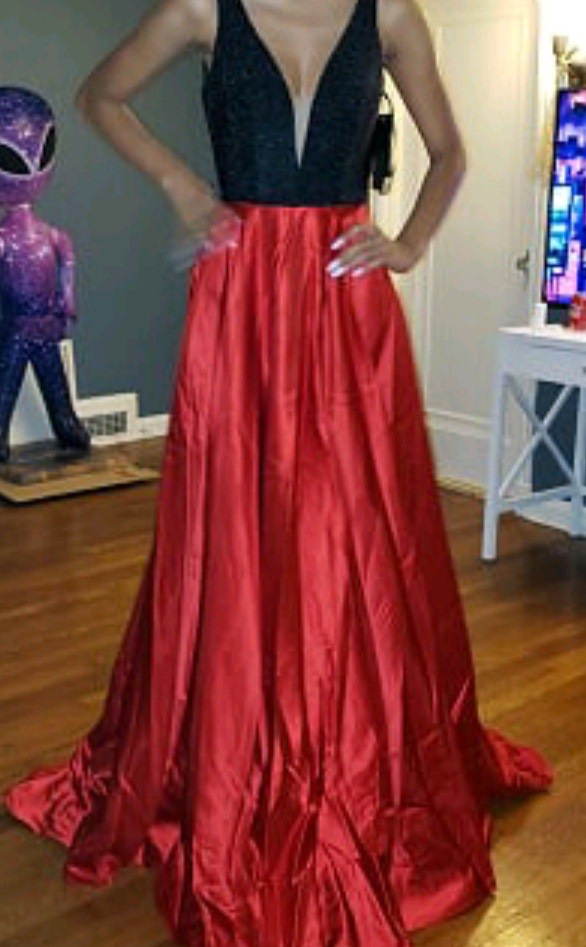 Red Size 2 A-line Dress on Queenly