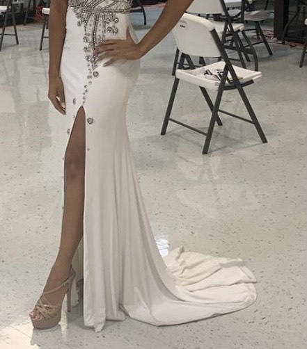 Sherri Hill White Size 4 Prom Pageant Halter Side slit Dress on Queenly