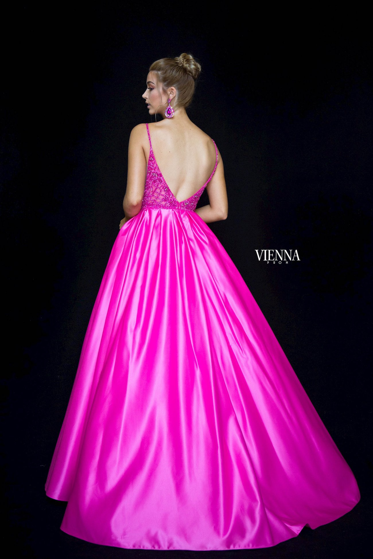 Style 7822 Vienna Pink Size 00 Plunge Prom Silk Ball gown on Queenly