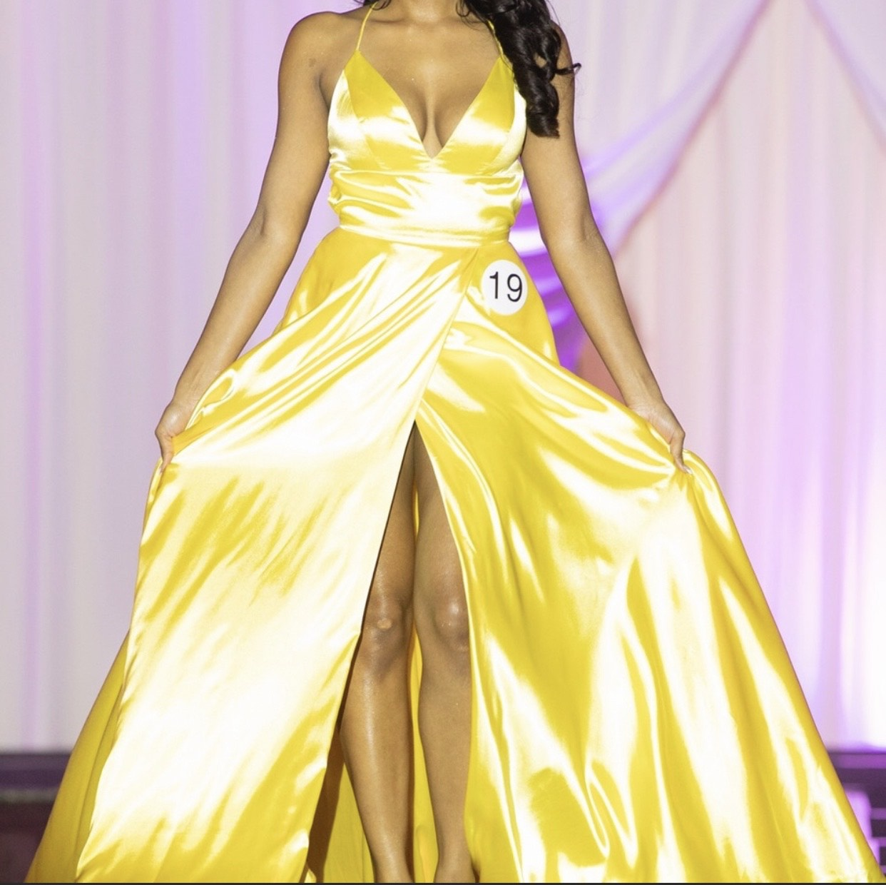 Sherri Hill Yellow Size 0 Plunge Pageant Side slit Dress on Queenly