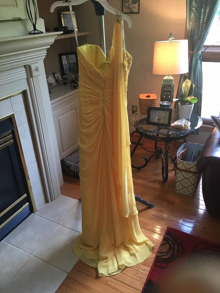 Tony Bowls Yellow Size 2 One Shoulder Jewelled Straight Dress on Queenly