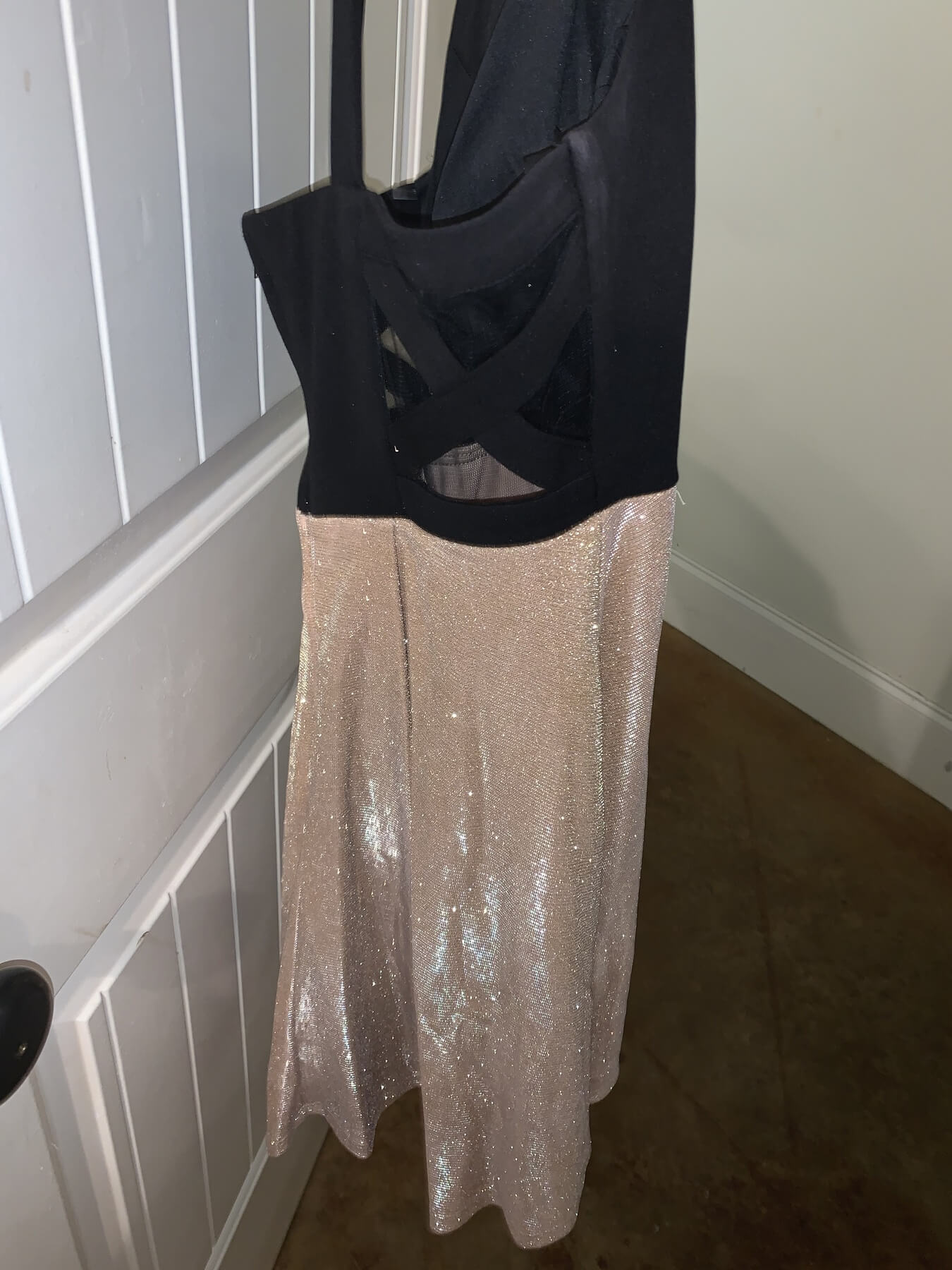 Teeze Me Gold Size 12 Homecoming Halter Cocktail Dress on Queenly
