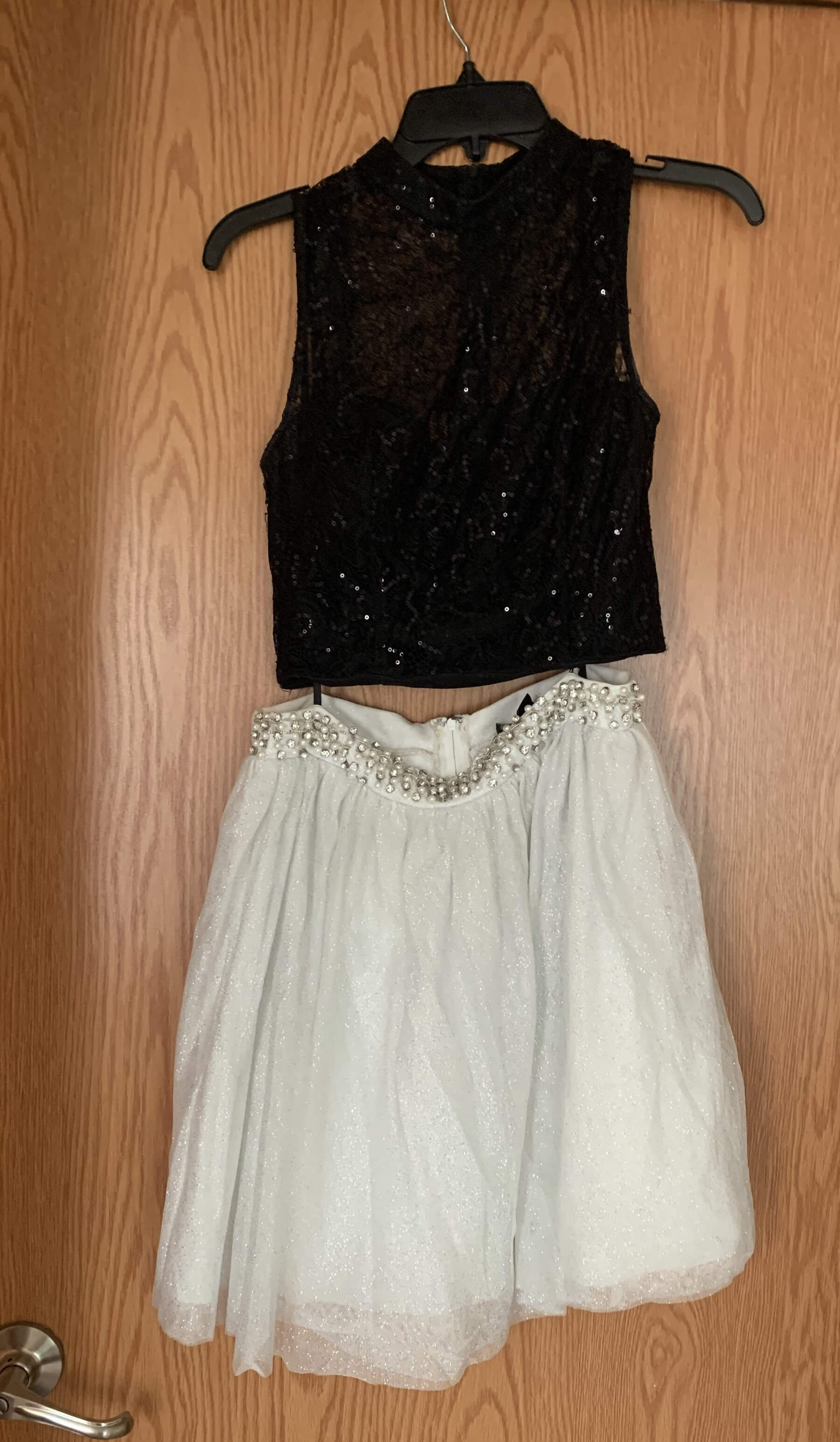 City Triangles White Size 8 Black Homecoming Cocktail Ball gown on Queenly