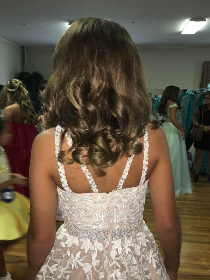 Sherri Hill Nude Size 2 Floral Pageant Train Ball gown on Queenly