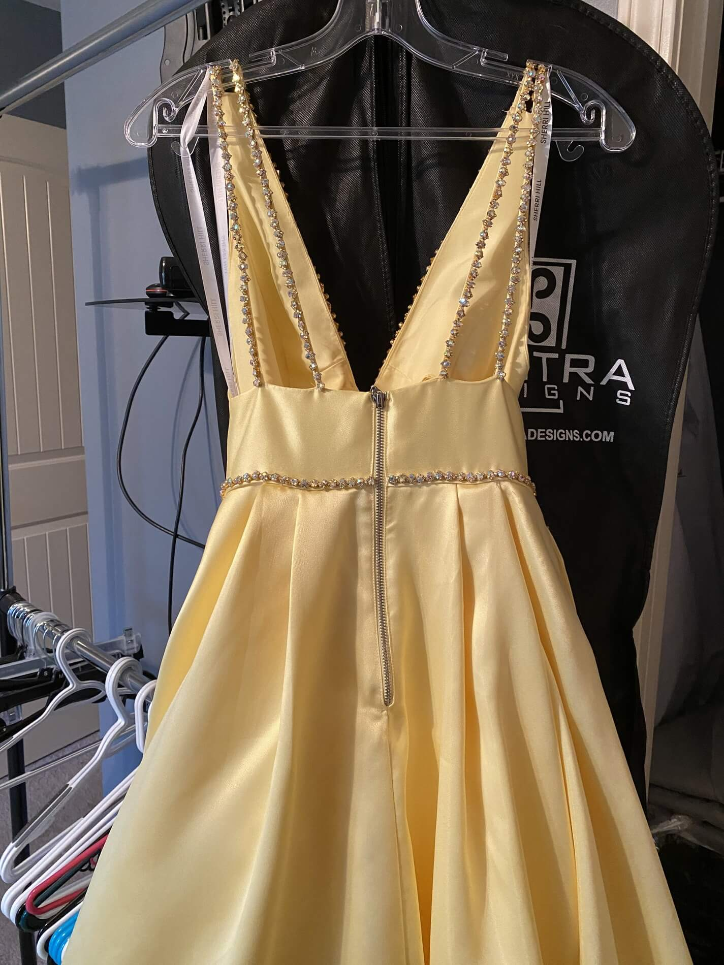 Sherri Hill Yellow Size 0 Plunge Pageant Silk Ball gown on Queenly