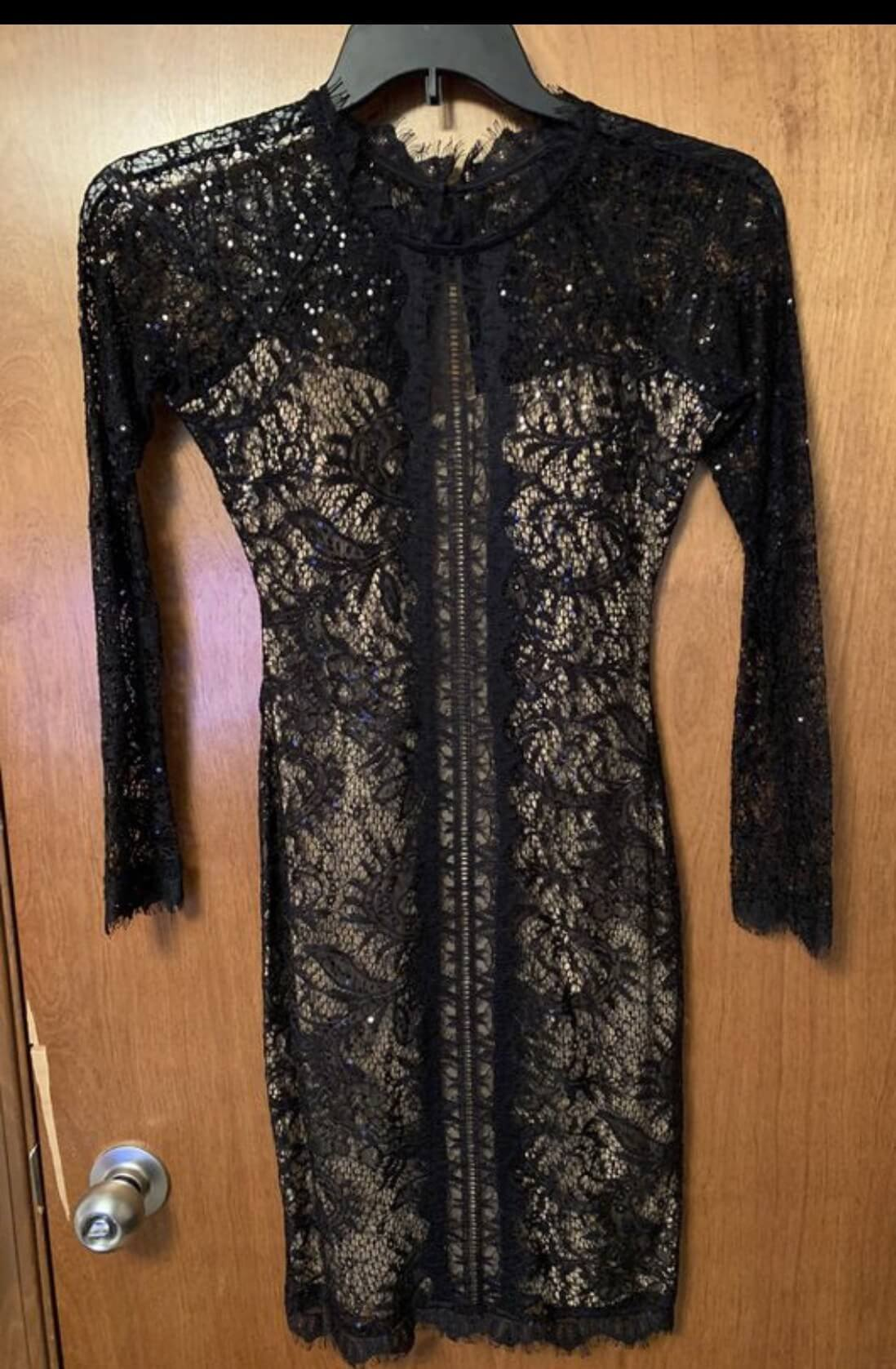 Sequin Hearts Black Size 2 Homecoming Lace Straight Dress on Queenly