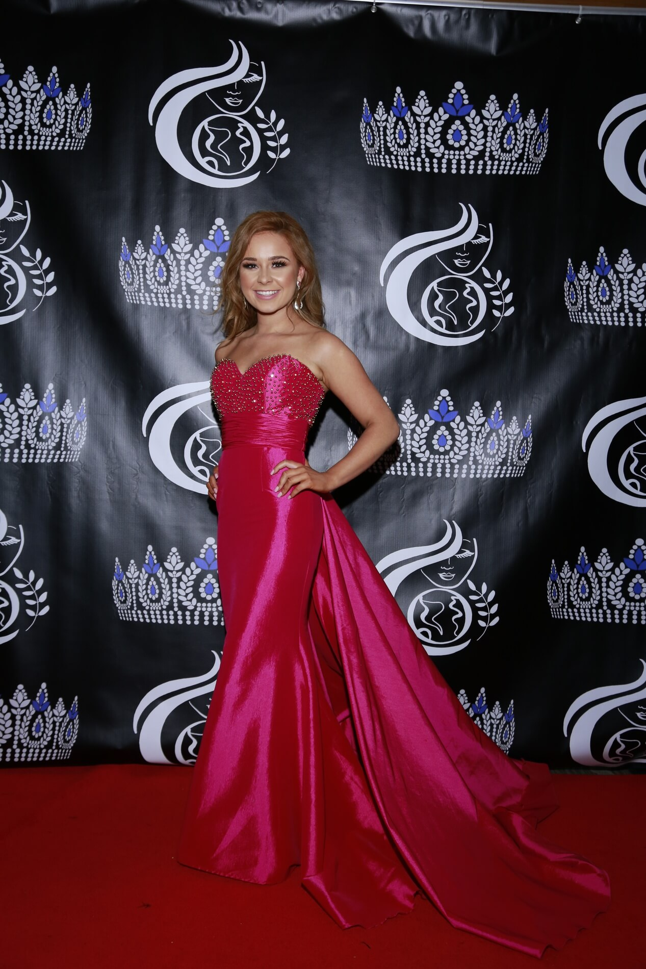 Queenly   The largest marketplace for prom, pageant, and formal dresses