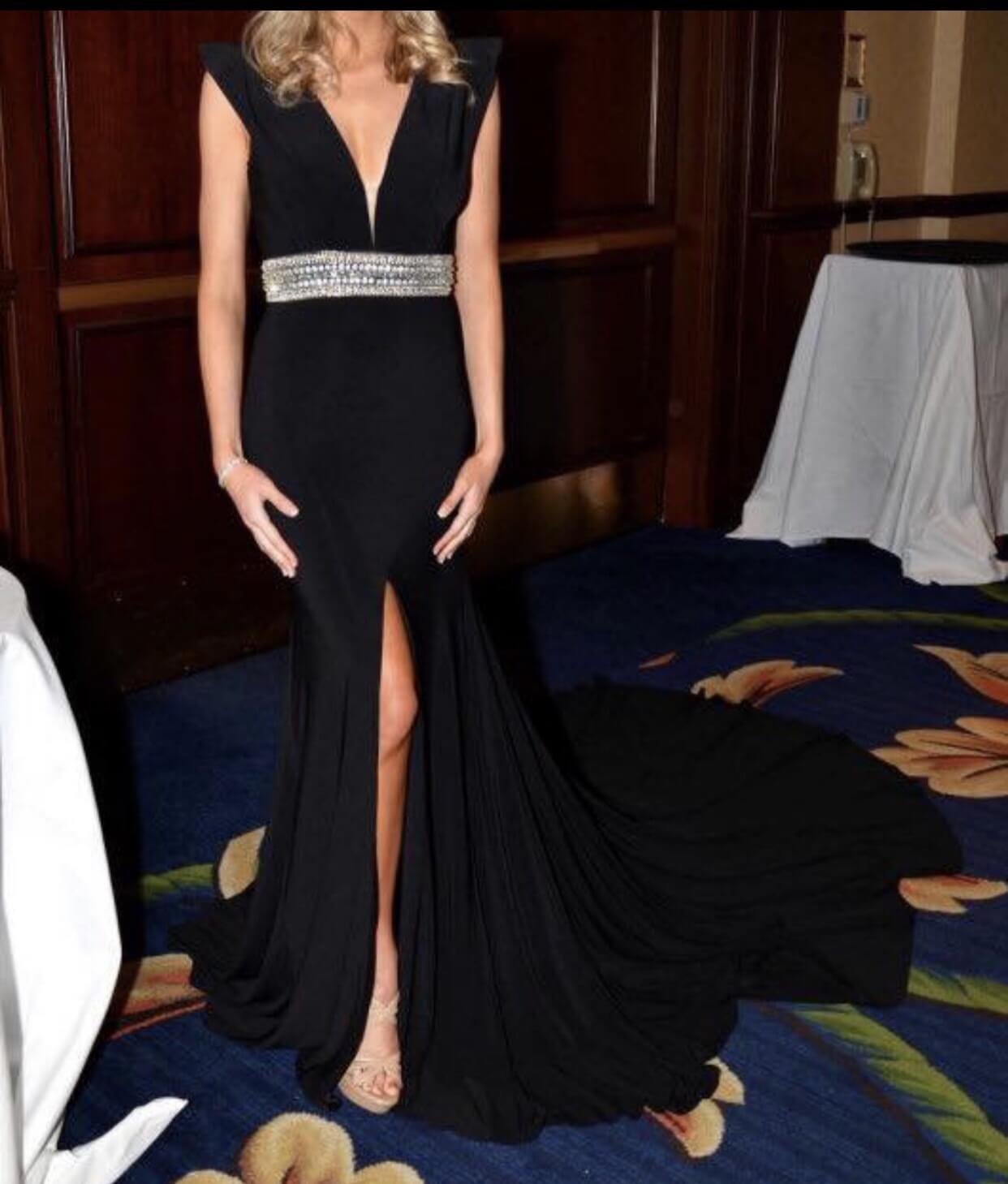 Mac Duggal Black Size 4 Mini Tall Height Train Dress on Queenly