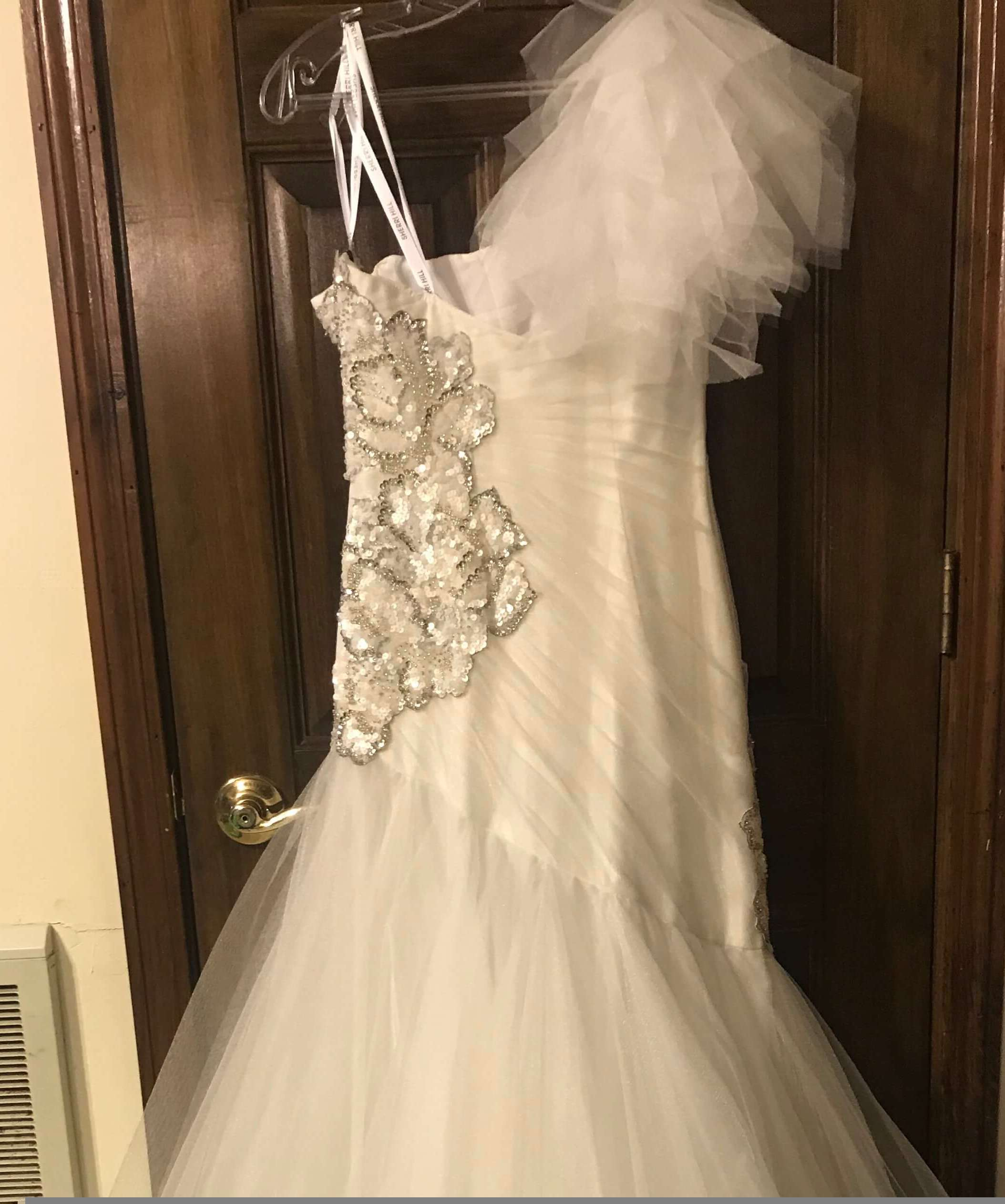 Sherri Hill White Size 6 One Shoulder Mermaid Dress on Queenly