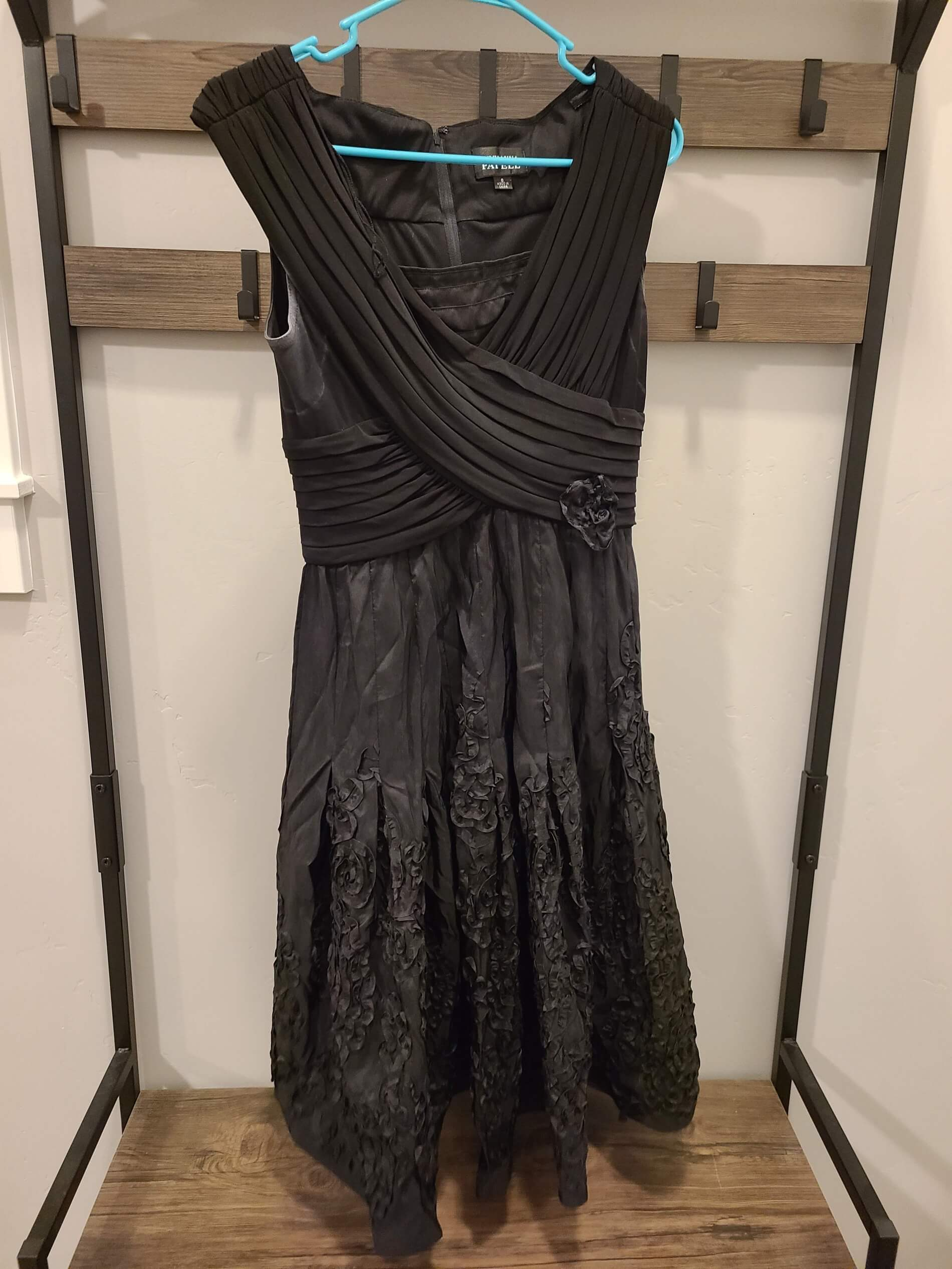 Adrianna Papell Black Size 8 Cap Sleeve Homecoming A-line Dress on Queenly