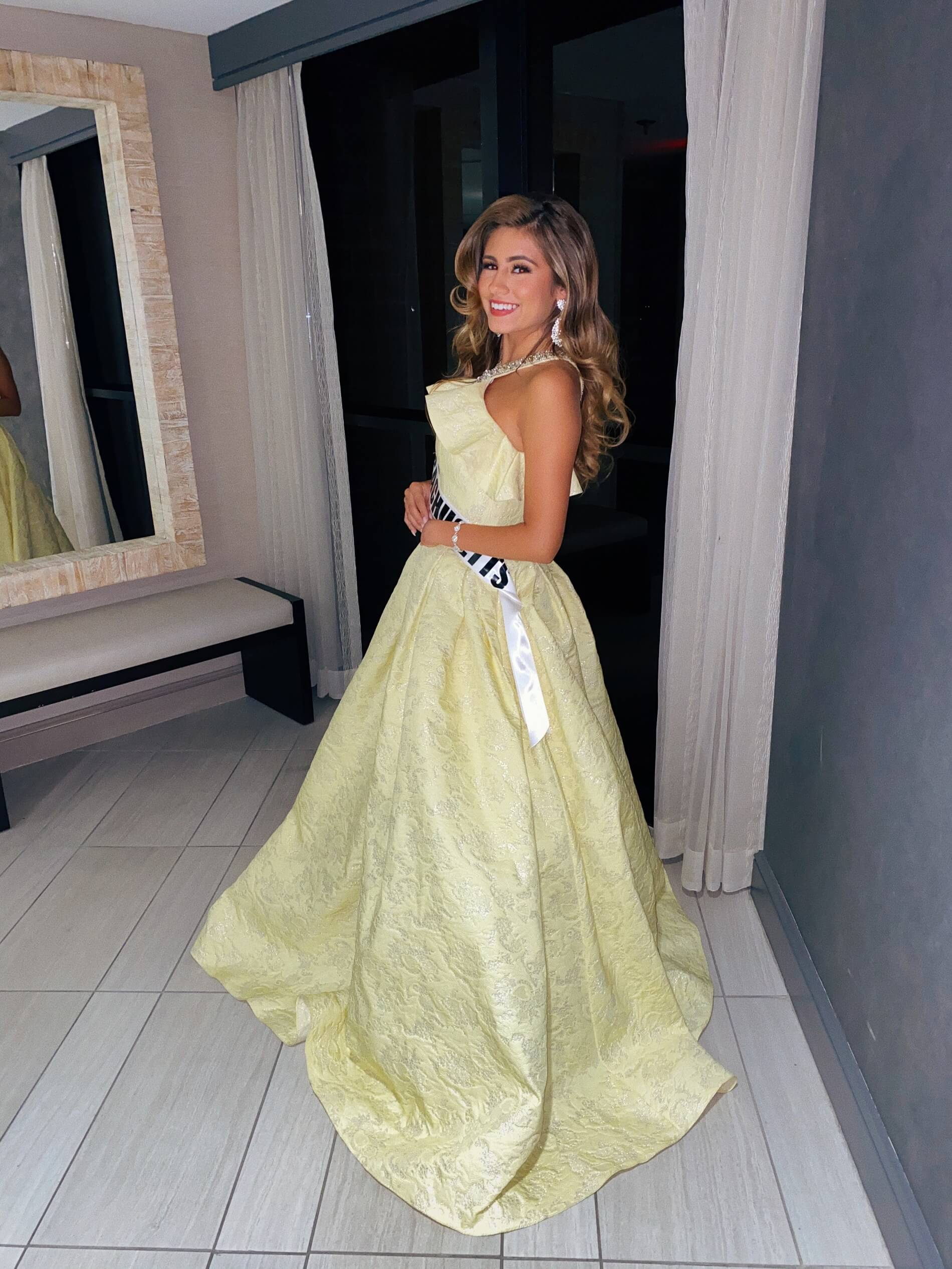 Mac Duggal Yellow Size 4 Tall Height Halter Ball gown on Queenly