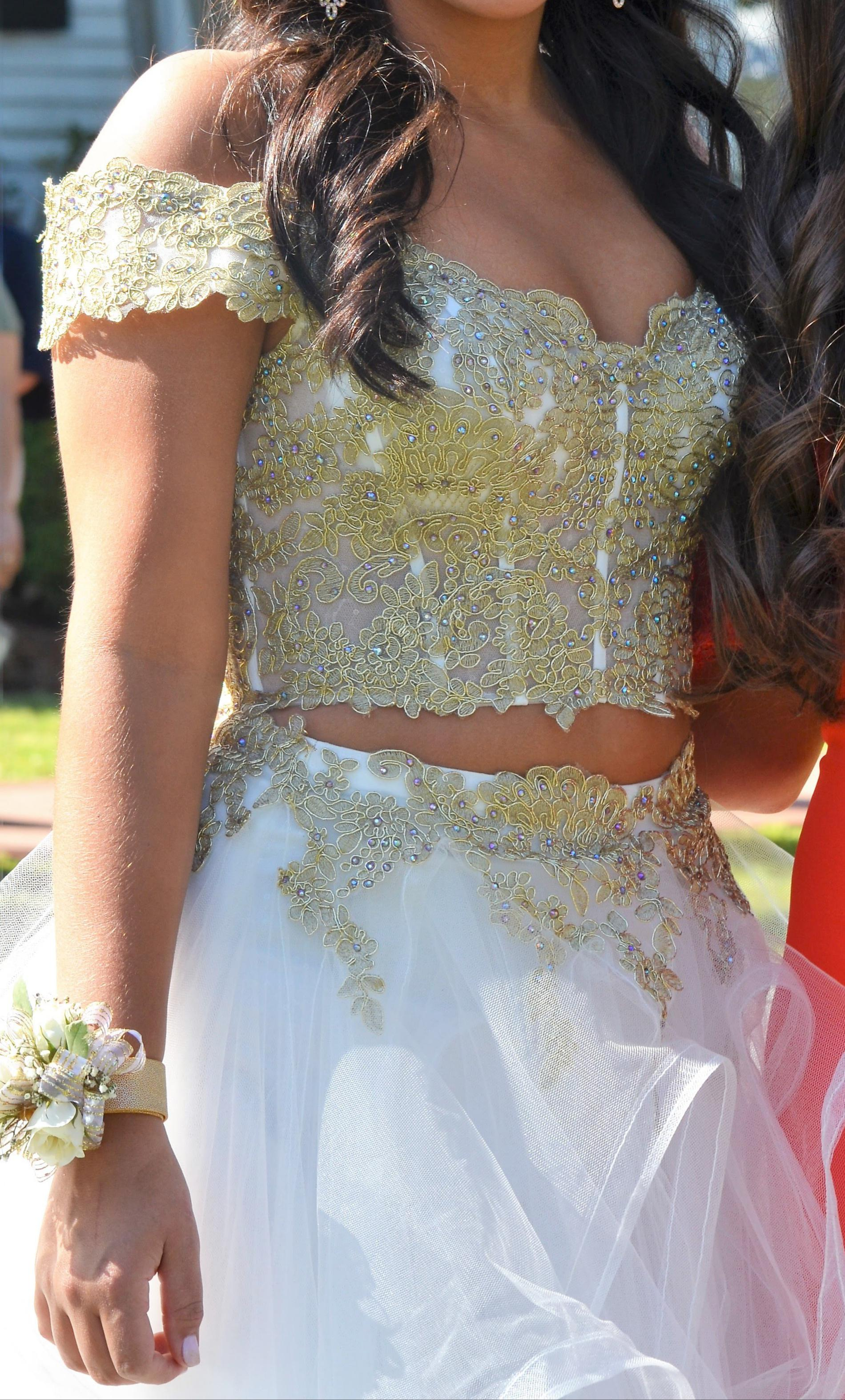 Sherri Hill White Size 4 Gold Quinceanera Ball gown on Queenly