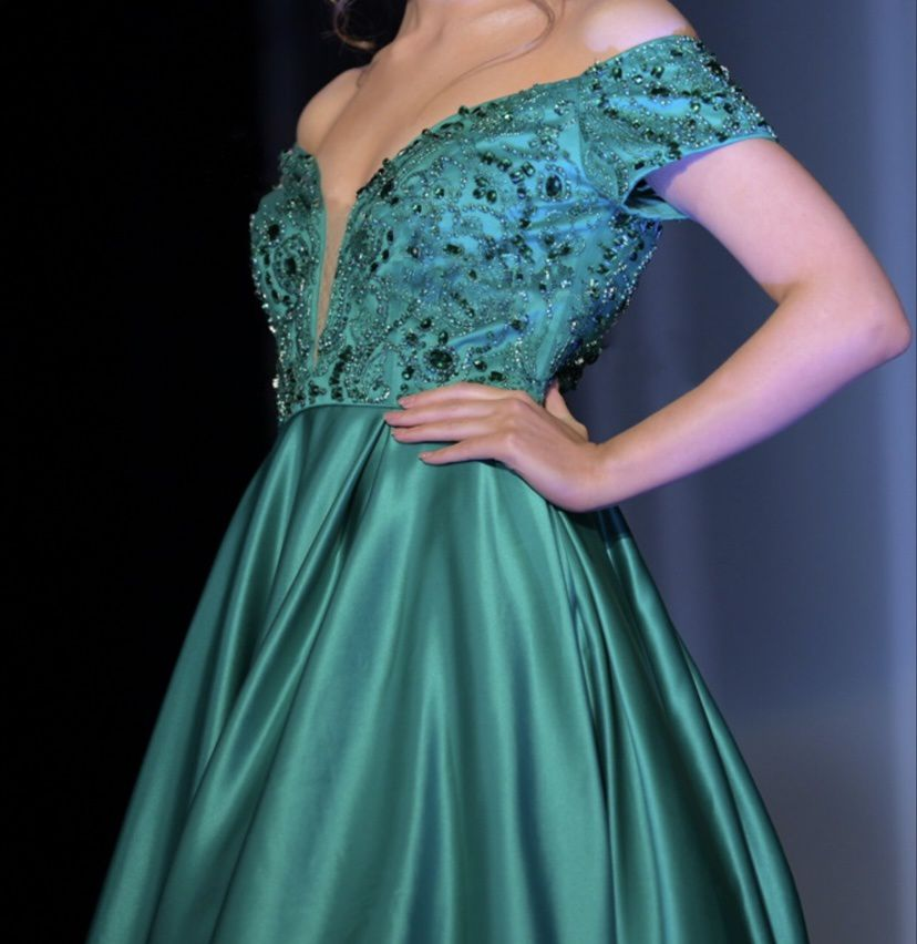 Sherri Hill Green Size 4 Silk Pageant Ball gown on Queenly