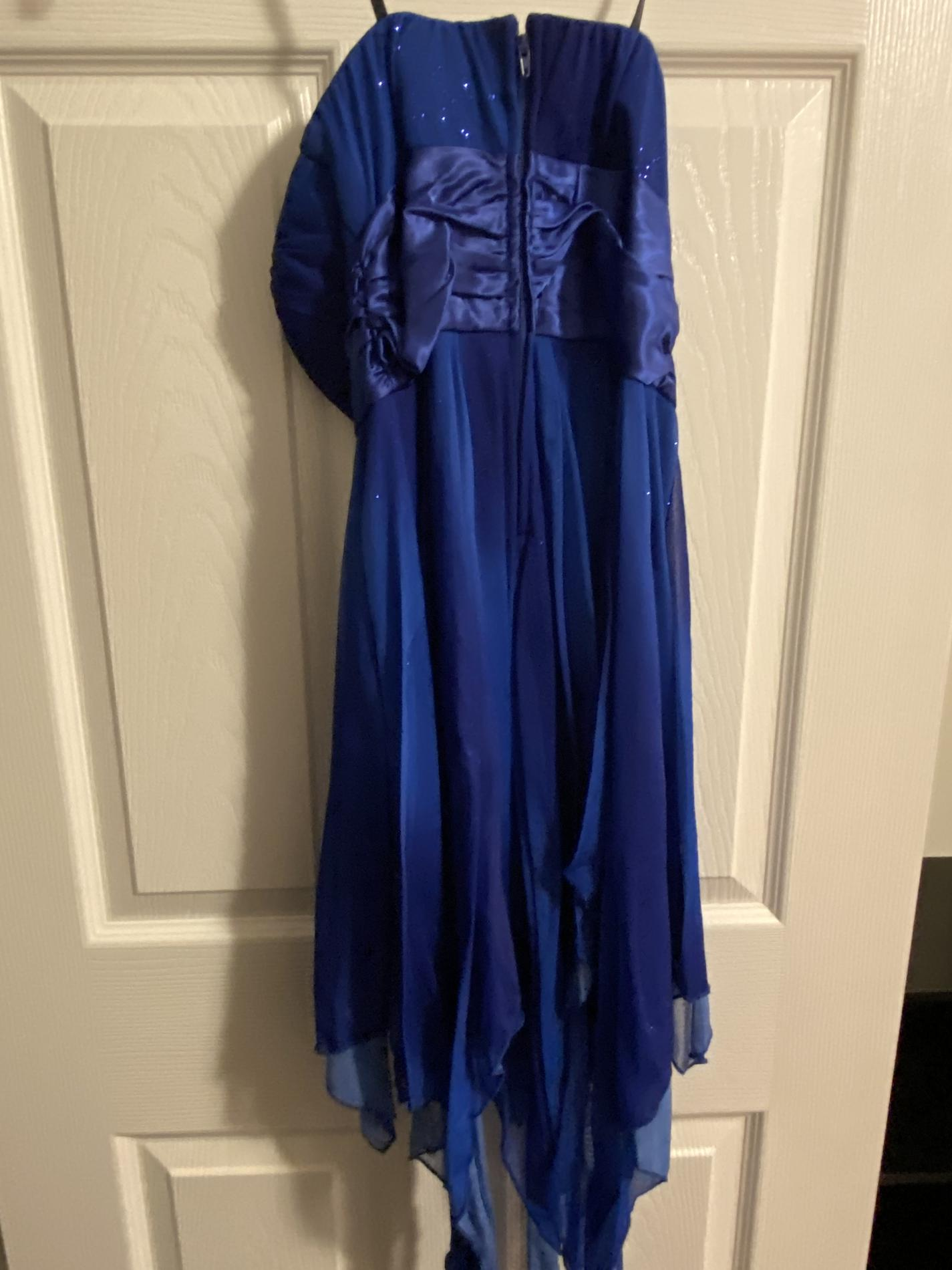 deb Blue Size 2 Cocktail Dress on Queenly