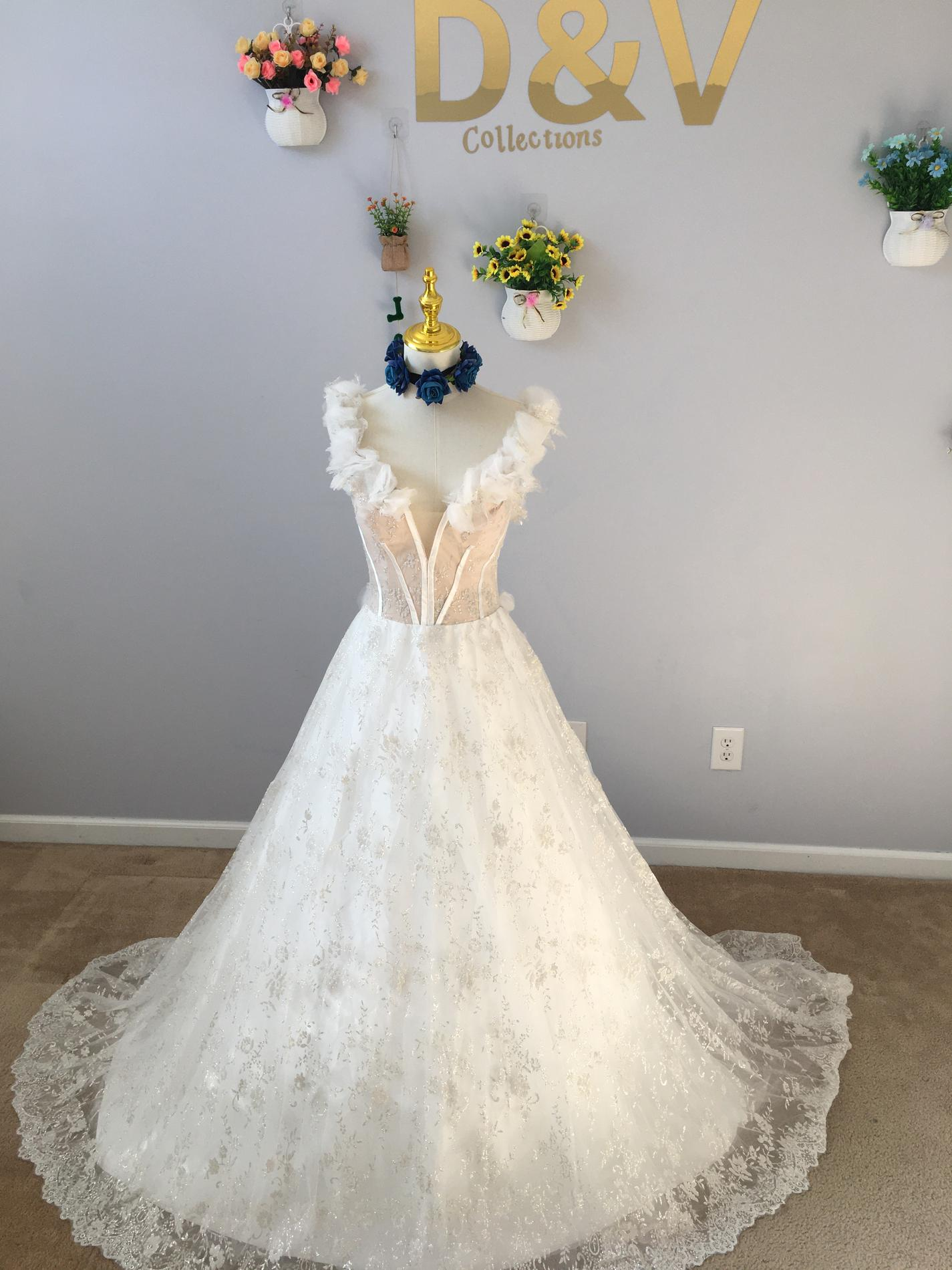 D&V Nude Size 8 Dandv Wedding A-line Dress on Queenly