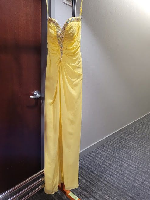 Style 40020 Jovani Yellow Size 4 Tall Height Straight Dress on Queenly