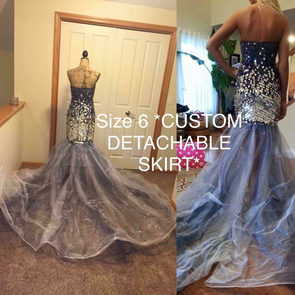 Jovani Blue Size 6 Train Dress on Queenly