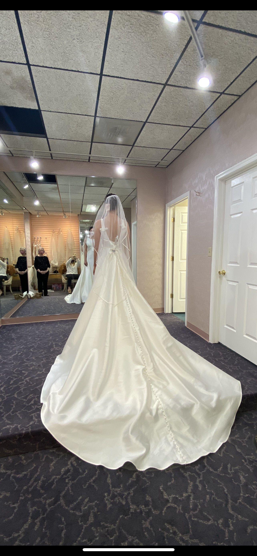 Sottero Midgley White Size 6 Wedding Train Straight Dress on Queenly