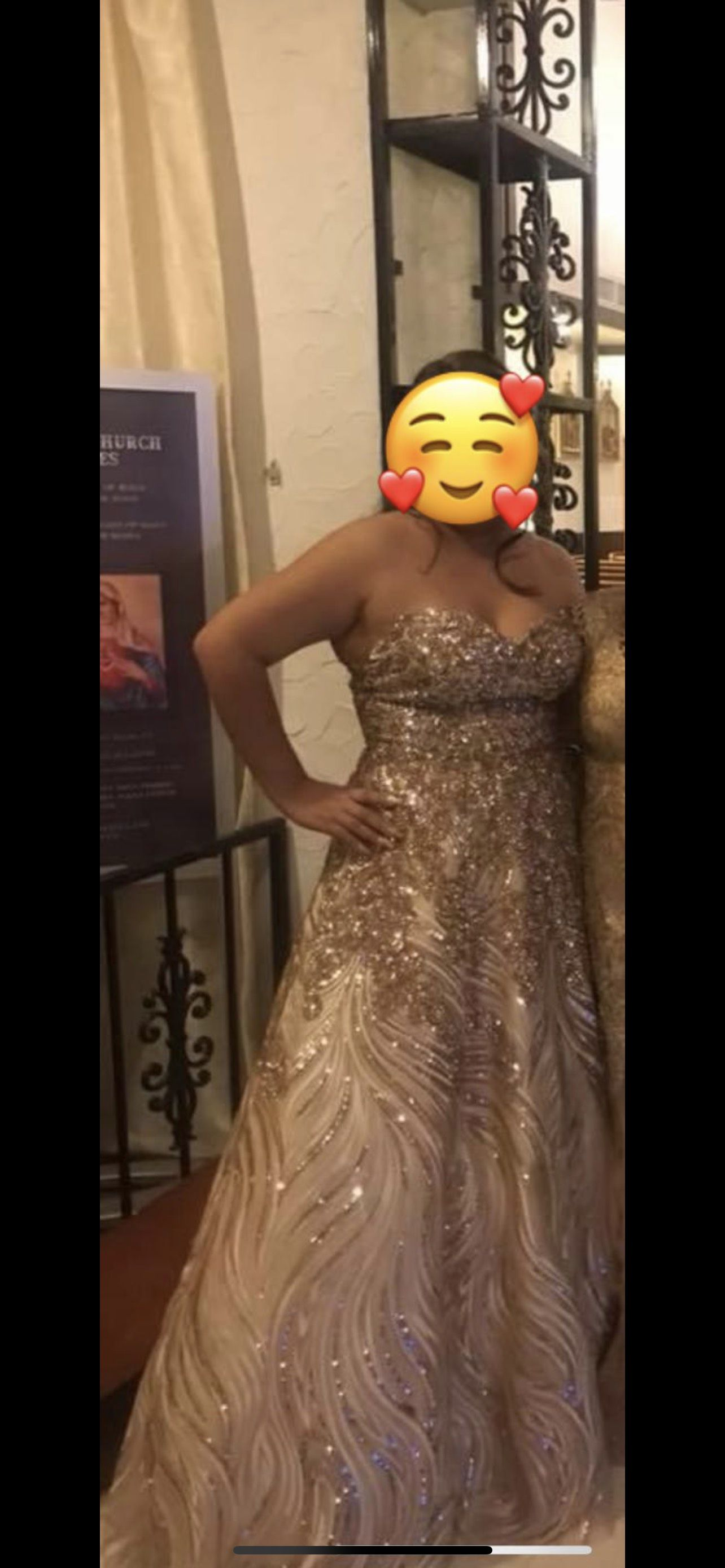 Gold Size 8 Straight Dress on Queenly