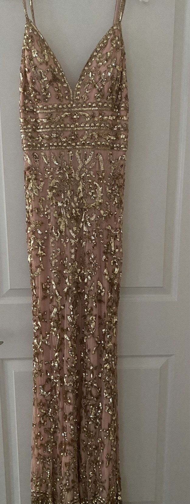 Sherri Hill Rose Gold Size 6 Plunge Jewelled Straight Dress on Queenly