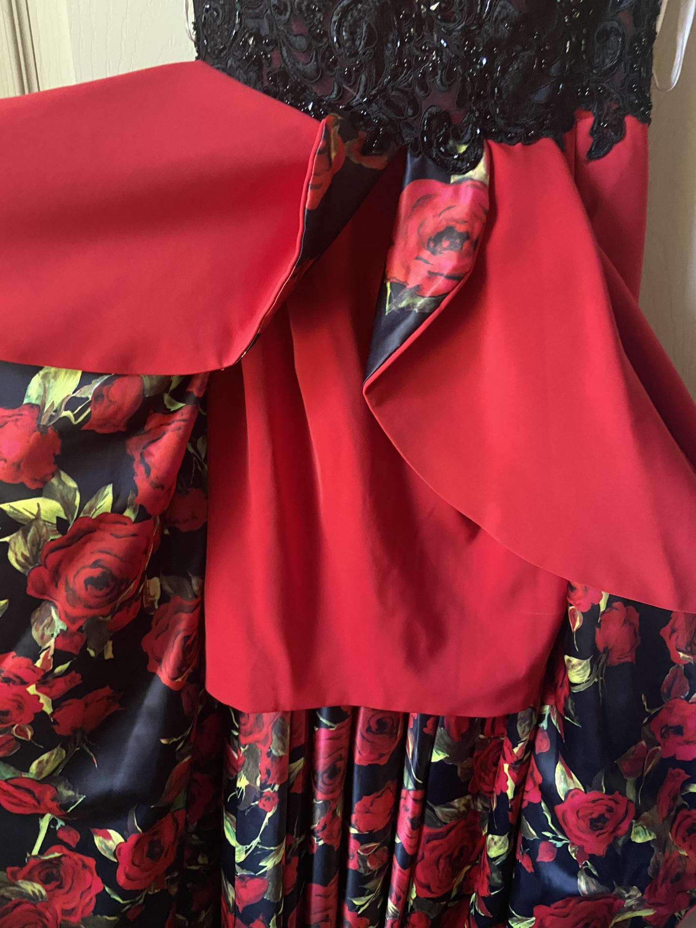 Tony Bowls Red Size 6 Train Dress on Queenly