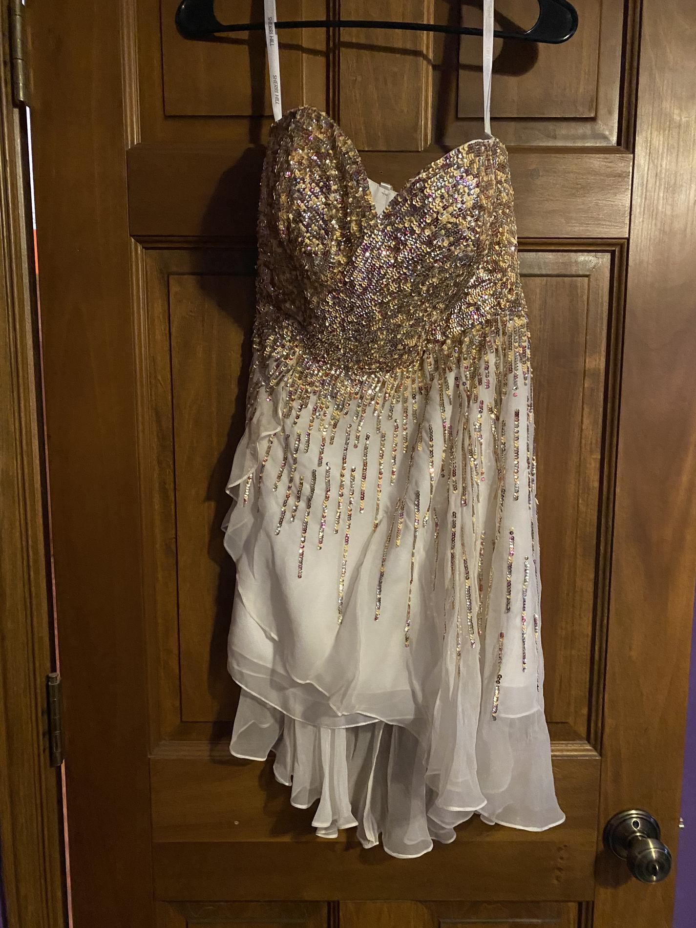 Sherri Hill Gold Size 4 Jewelled Homecoming Cocktail Dress on Queenly