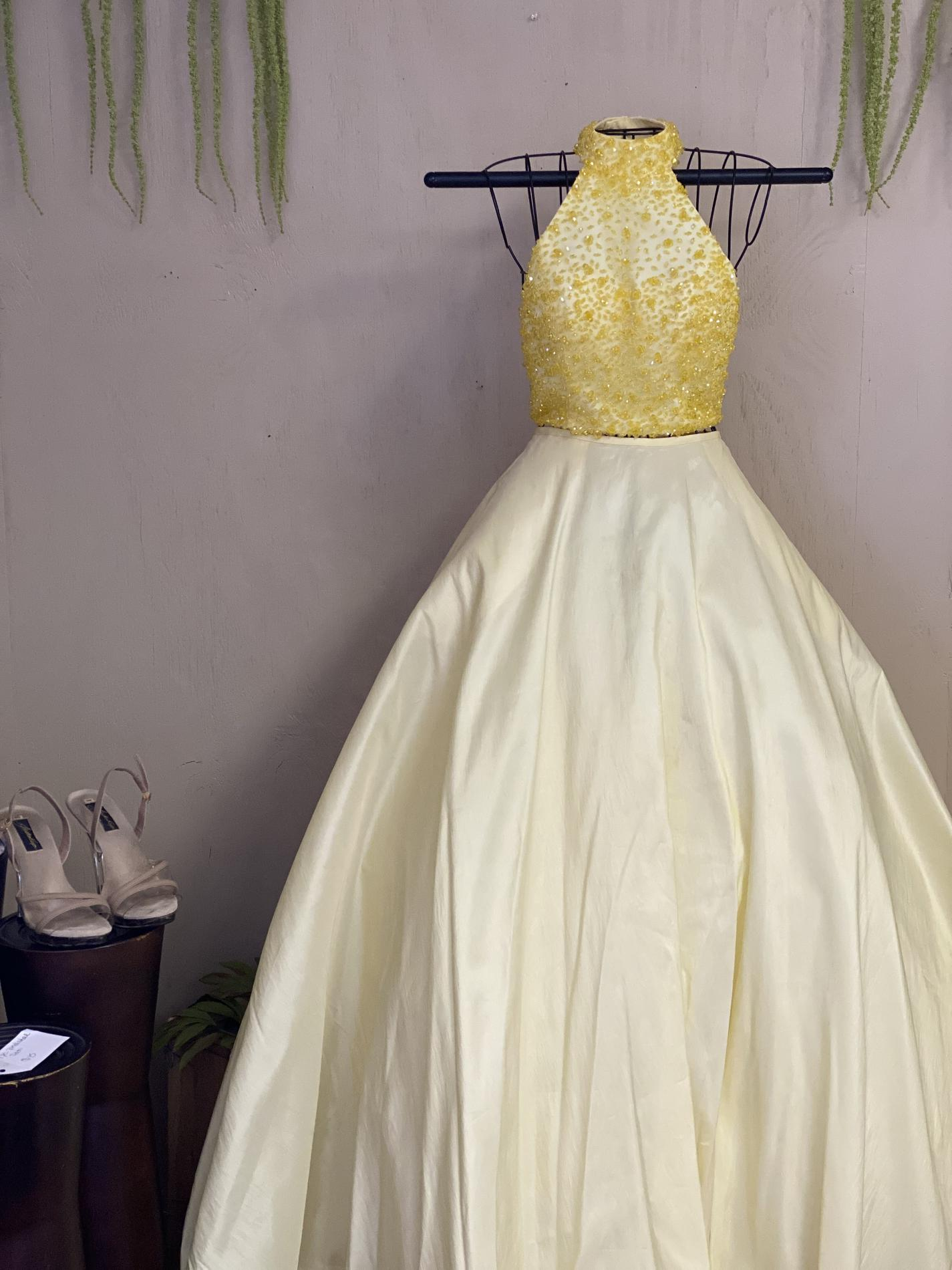 Sherri Hill Yellow Size 0 Pageant Halter Ball gown on Queenly