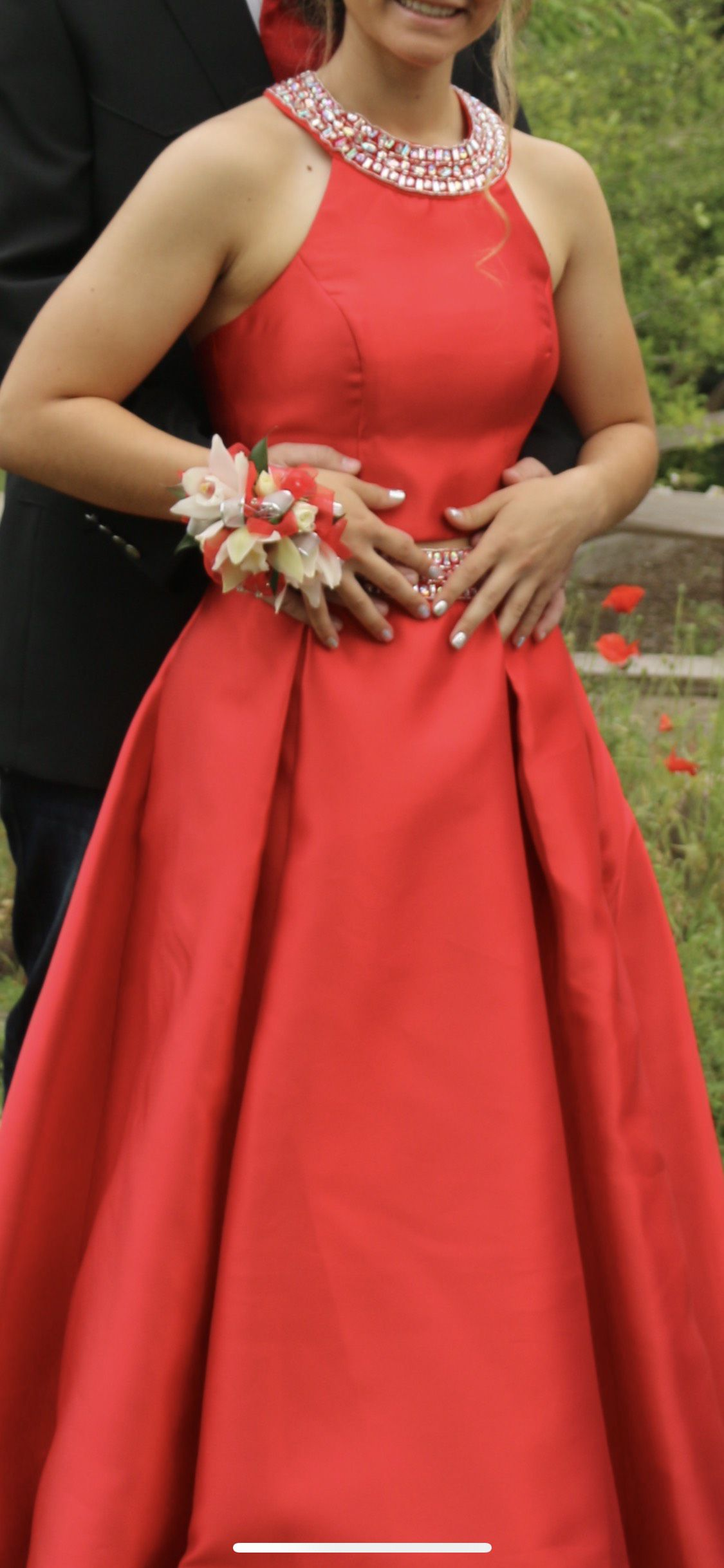 Bee darling Red Size 4 Prom Straight Dress on Queenly