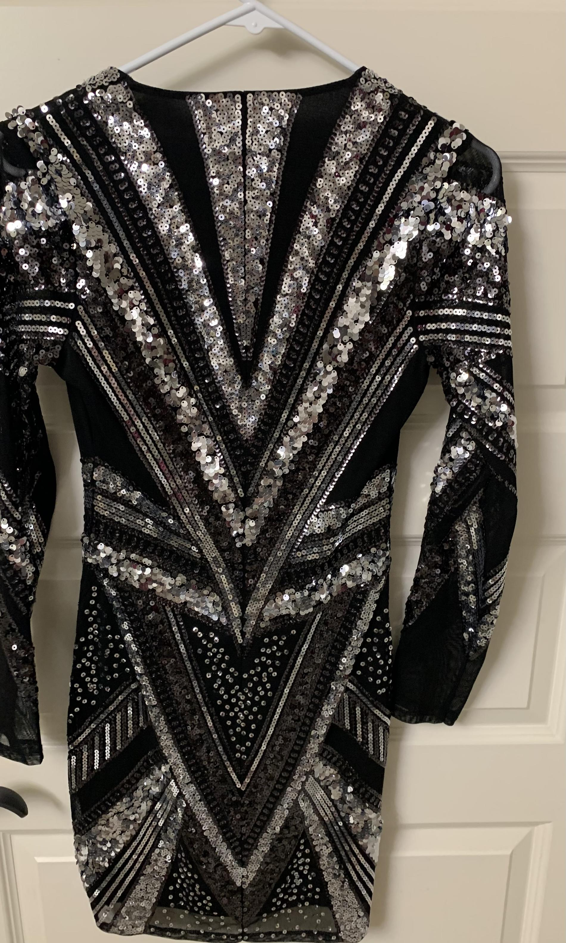 Express Black Size 4 Jewelled Party Cocktail Dress on Queenly