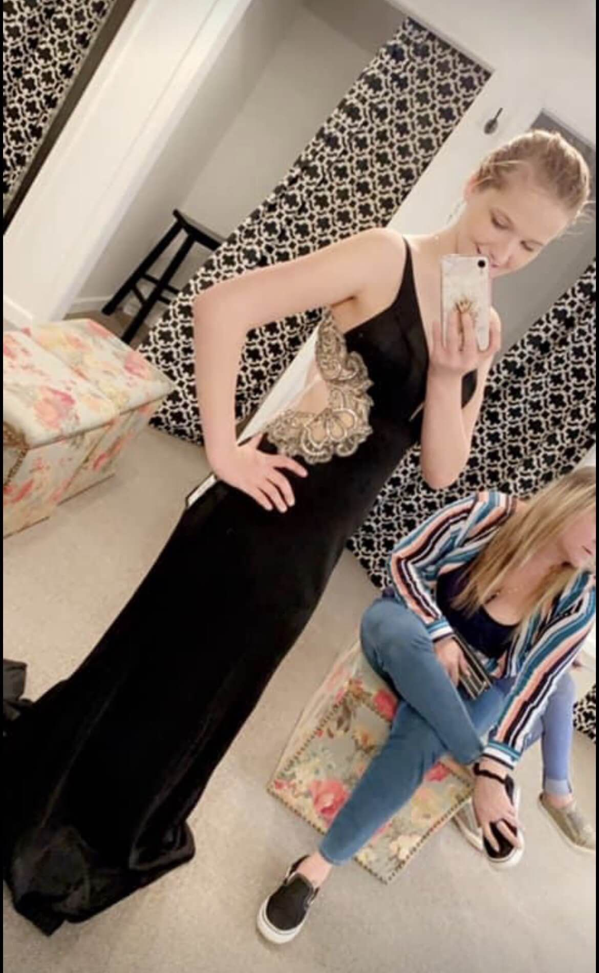 Faviana Black Size 4 Prom Embroidery Straight Dress on Queenly