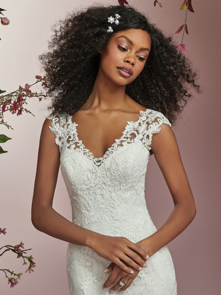 Style Deon Rebecca Ingram Ivory Size 12 Wedding Sleeves Train Lace Fit and Flare Dress on Queenly