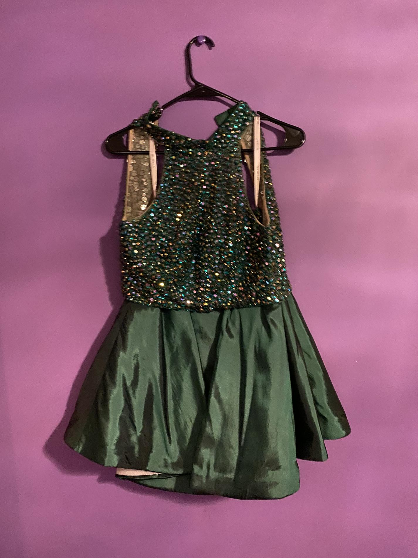 Sherri Hill Green Size 4 Halter Sequin Cocktail Dress on Queenly
