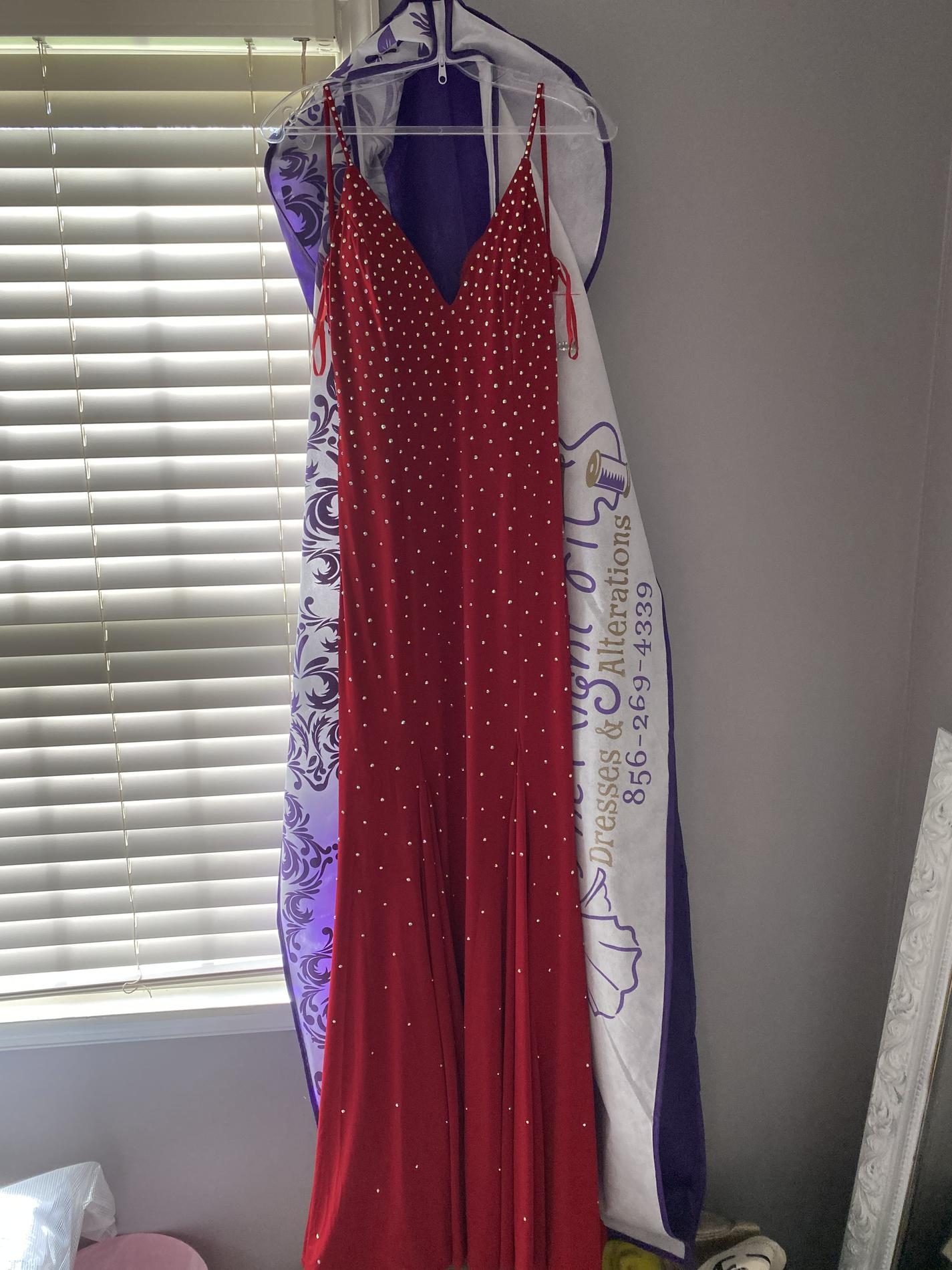 Jovani Red Size 6 Prom Straight Dress on Queenly