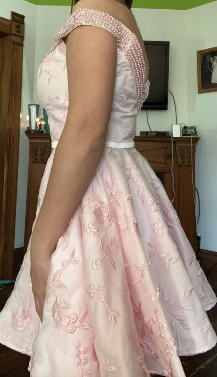 Lucci Lu Pink Size 12 Floral Cocktail Dress on Queenly
