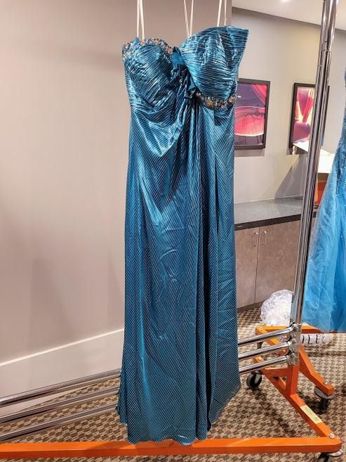 Style 75627 Mac Duggal Blue Size 26 Plus Size Tall Height A-line Dress on Queenly