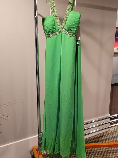 Style 6366W Madison James Green Size 24 Plus Size Tall Height Straight Dress on Queenly