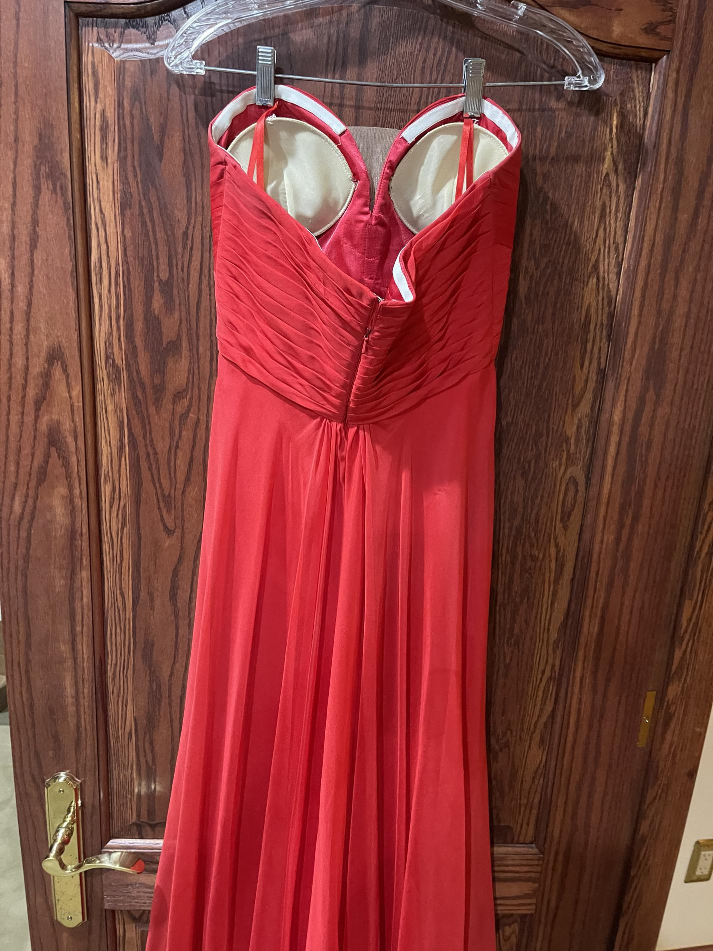 La Femme Red Size 4 Prom Tall Height Cocktail Dress on Queenly
