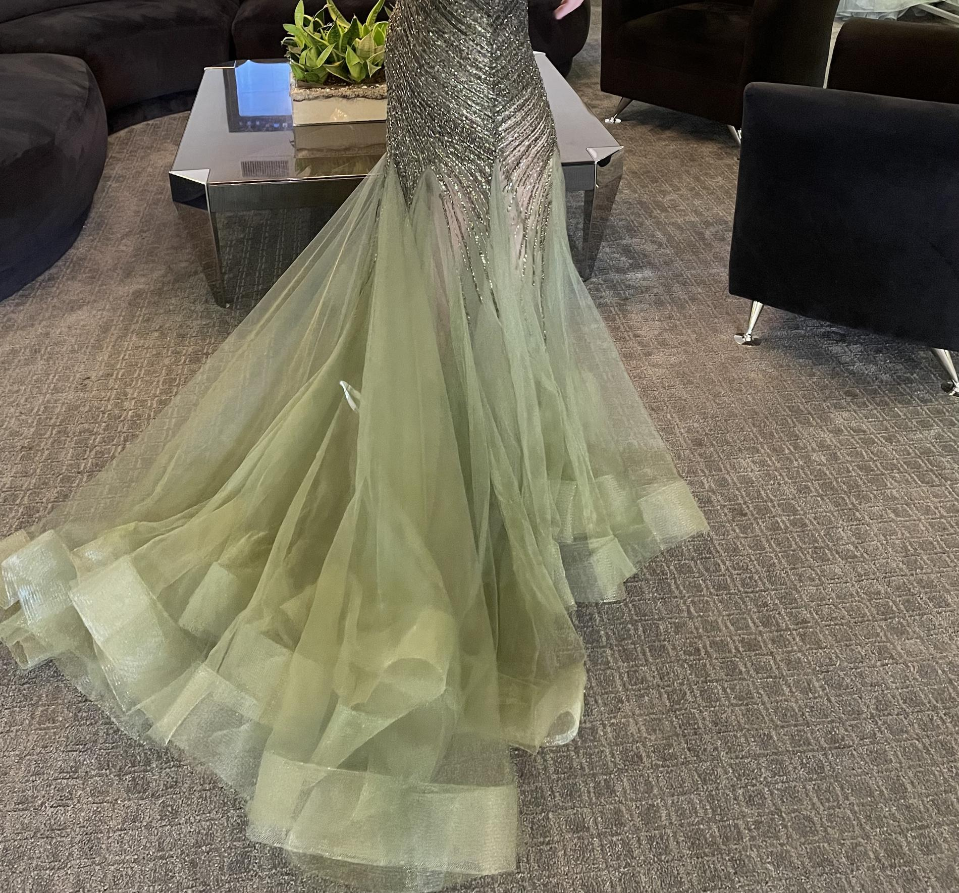 Jovani  Green Size 2 Pageant Plunge Train Mermaid Dress on Queenly