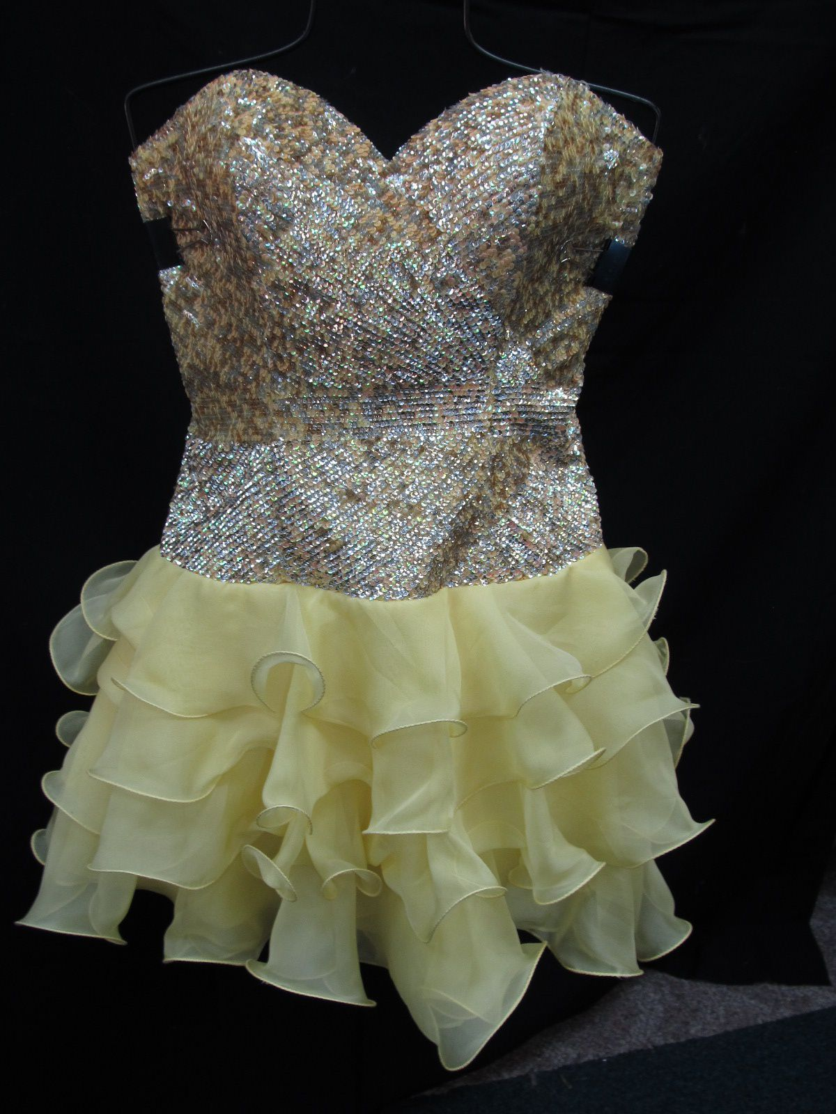 Style 8422 Sherri Hill Yellow Size 6 Jewelled Mini Tall Height Cocktail Dress on Queenly