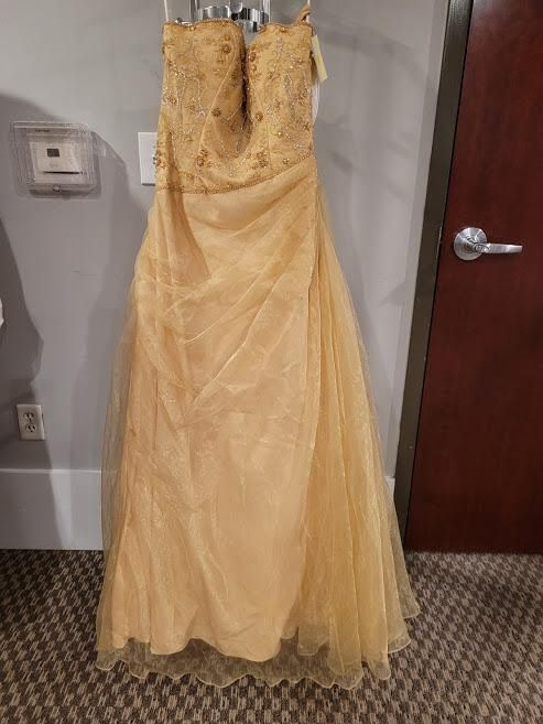Style 7046 Mac Duggal Gold Size 8 Pageant Tall Height A-line Dress on Queenly