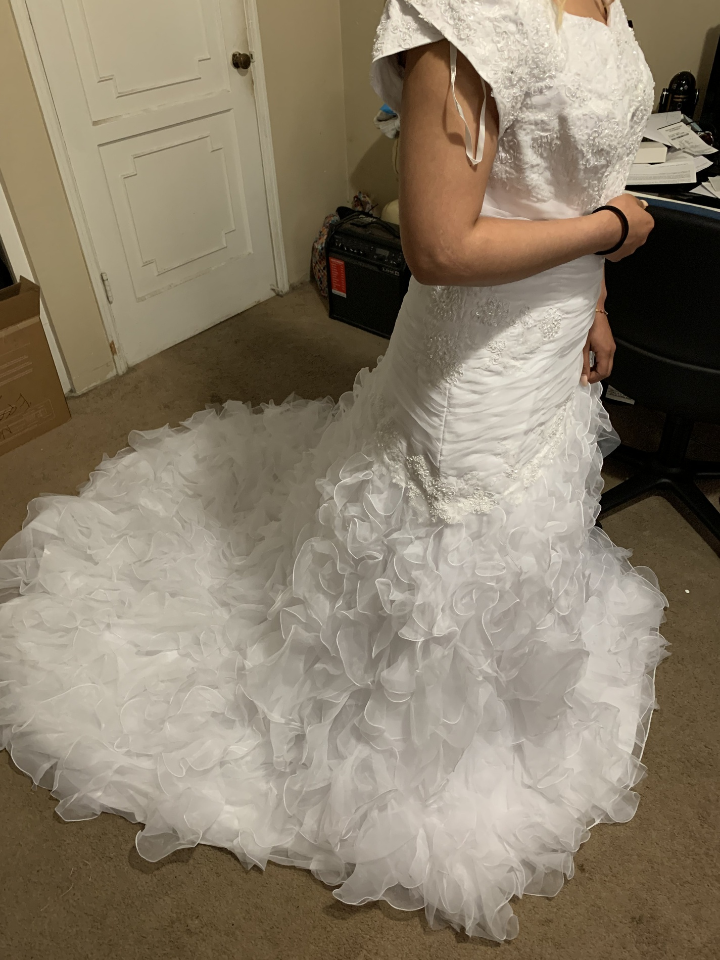 En Vogue White Size 16 Wedding Ruffles Sleeves A-line Dress on Queenly